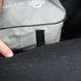 A tépőzár miatt a táska szőnyegestül csúszkál