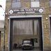 """Az első cím egy taxis céghez vitte. Egy törött, egy vizsga nélküli, egy méregdrága autó. Akár ómen is lehetett volna a projekthez e vállalat neve: """"KPM-UK"""