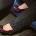 Örök rejtély számomra, hogyan tudnak a nők magassarkú cipőben vezetni