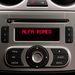 A rádió dizájnja kissé túl egyszerű ehhez a kocsihoz