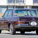 Kicsit ennek az autónak is magasabban van a feneke a kelleténél, állítani kéne a Bogén