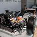 A hibridrendszeren rögtön látszik: elöl kapar. A hibrid rendszer összesen 130 kilós