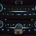 Mennyivel kellemesebb kék ez, mint a régi VW-retinaégető mélykékje...