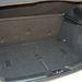 335 literes mini csomagtartó, sekély, de a fedél alatt még van pár kis rekesz