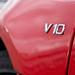 A V8 sem piskóta, de a tízhengeres minden téren elnyomja