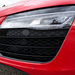 Új lett a lökhárító és a fényszórók is. Tudták, hogy ez volt az első, sorozatgyártású full-LED-es fényszóróval ellátott autó?