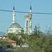 Víztorony és mecset egymás mellett