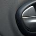 Fémhatású műanyag, olcsó plasztik és megfakult, strukturált puha borítás. Nem az Auditól akartak vásárlókat toborozni már 2008-ban sem