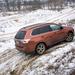 Lehet kacagni és gúnyolódni, de a tény attól még tény marad: az Outlander SUV-mivoltához képest meglepően durva terepen is elboldogult. Pedig csak fix 50:50. amit tud.