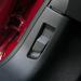 Még ez is új lett, a Peugeot hagyományaitól eltérően alig van reciklált megoldás a felszínen