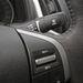 A volán másik oldala a  tempomattal és az ablaktörlő kapcsolójával