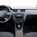 Remek példa arra, milyen lesz egy VW-csoport-beltér mindennemű apró finessz nélkül. Sivár, ötlettelen, üres és fekete