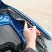 Rugalmas elemekre rögzített sárvédő a gyalogos biztonság jegyében
