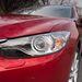 Kanyarlámpa is volt. Valamiért a xenon nagyon rövid fénycsóvával perzselte az utat a Mazda előtt, de ez kalibrálási kérdés