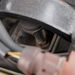 A fillérbaszás csimborasszója a csődarabbal pótolt motortartó-bak