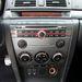 A hatlemezes cédétár elárul valamit a korszakról, amikor ez az autó készült. Ki hallgat ma már lemezt?