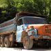 Egy régi kőbányához más cseh ipari termékek is tartoznak, nem csak Skodák. Egy szépen öregedő Tatra billencset mindig jólesik látni