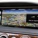 A navigáció jól használható az óriási képernyőn