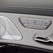 A Mercedesnél szokásos ülésállító szisztéma - minden az ajtóra került. Első utasok garantáltan piszkálják majd vagy fél órát