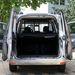 Befér az EU-raklap is, és a pakolást megkönnyíti, hogy egy mozdulattal kiakaszthatók a hátsó ajtók