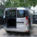 Praktikusak a hátsó szekrényajtók, de ha pakolni kell, nem árt megfontolni, orral, vagy fenékkel parkoljunk-e le
