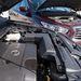 Pálca tartja nyitva a Nissan motorházfedelét