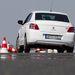 Szigorúság van: kikerülési tesztünkben úgy megfogta az ESP az autó hátulját, minta járdaszegélynek csapódtunk volna