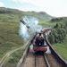 Harry Potter kis híján kiesik a repülô Ford Angliából