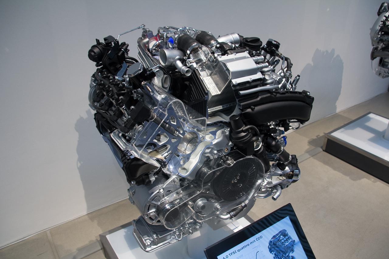 Még a V8-ast is az A8-as elődjének tekintik