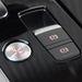 Az Audi józansági szintjén már-már merész, hogy az ülések közé tették az indítógombot