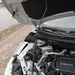 Akármilyen hihetetlen, a Daciánál az összes motorházfedelet gázrugó nyitja, a Nissannál még ezt sem