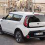 Egy autó, ami jól mutat egy régi olasz városkában, az azért elég nyerő designilag