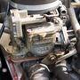 Picike karburátor táplálja a kéthengeres, levegős boxermotort