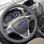 Tipikus Ford-dizájn. Az ergonómia jó, minden a helyén