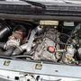 Makulátlan motortér, a doblemezeken csillog a tüzihorganyzás