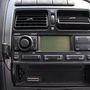 A XXI. század nagy találmánya: fedélzeti számítógép, benne a rádióban. Alatta vagy magnó, vagy CD-olvasó volt, most ide került az alternatív, MP3-as fejegység