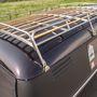 Nem egy átlagos tetőcsomagtartó, a T1 tetőívéhez igazítva készült