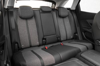 A Sportage jól rugózik, de nem annyira sportos, mint a Seat