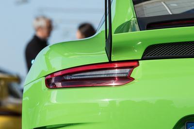 A Porsche név hallatán mindenki ezekre gondol, pedig az SUV-k és a Panamerák adják az eladások húsát