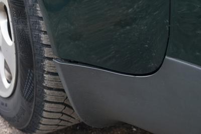 Burkolat nélkül. A népszerű, 1896 köbcentis dízel 4150-es fordulaton tudja a 110 lóerőt, viszont a 235 newtonméteres csúcsnyomaték 1900-nál már megvan. Jellemzően hat liter alatt eszik