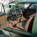 A Fiat 850 Sport Coupénk belseje. Párna és huzat alatt lakott a belső tér, a szőnyegek védőszőnyegein védőszőnyegek voltak. De a függőcsapszeget nem zsírozták, lógott, mint állat. A karburátorból meg folyt a benzin