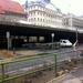 Az Erzsébet-híd alatti területen csak az építkezési gépek, járművek és alapanyagok állnak